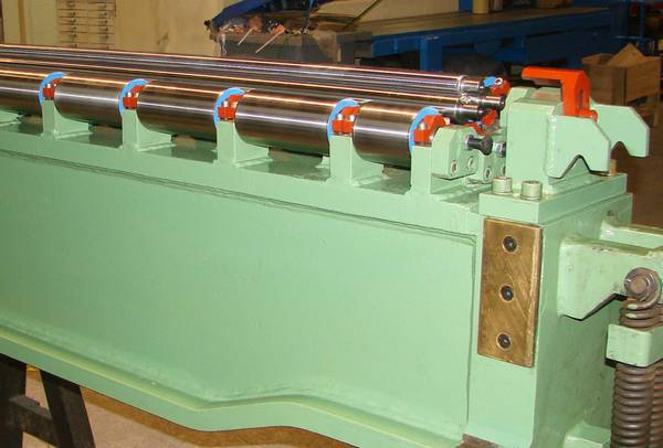 fabricant de rouleaux pour rouleuse à tôle